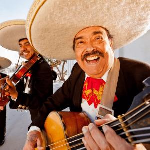 Tradiciones y Costumbres de México