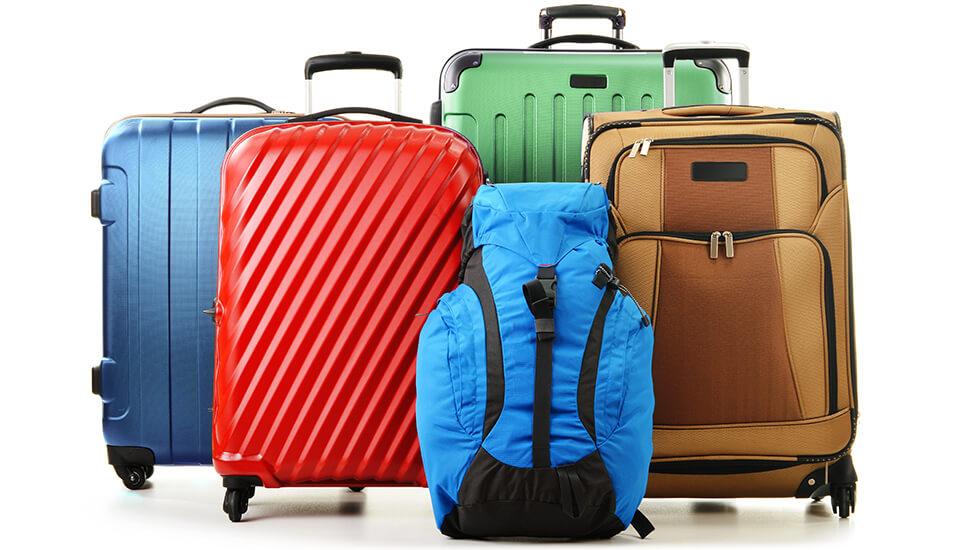 ¿Es mejor una valija rígida o flexible para viajar en avión?